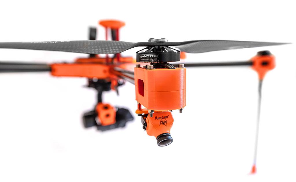 Detalle cámara RunCam en dron