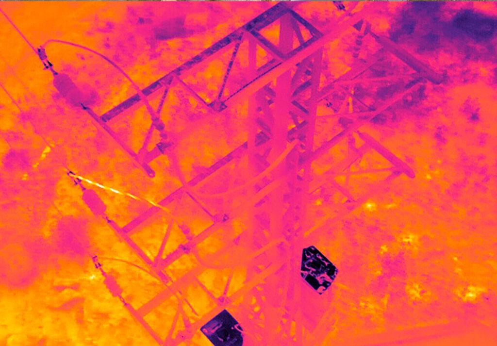 Termografía torre eléctrica con dron